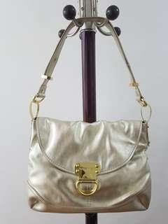 NINE WEST (The Convertible Handbag)