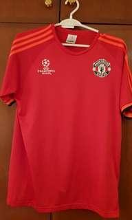 Man Utd training top