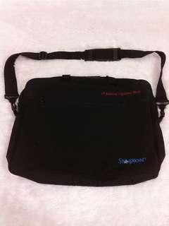 Tas / Softcase Laptop Starxon