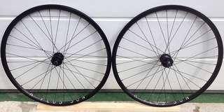 LF: any Hplusson or Rinpoch wheelset 700c