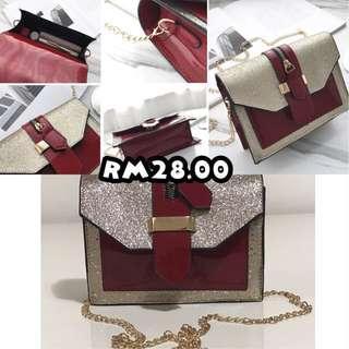 Gliterring Chain Sling Bag