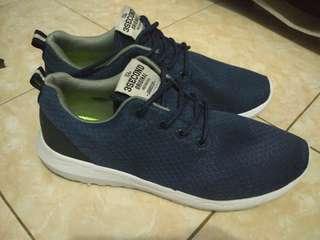 Sepatu sneakers casual/sport three second