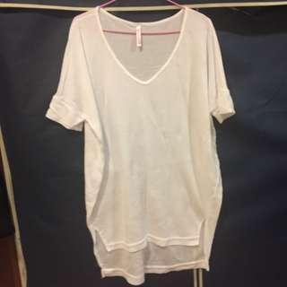 🚚 白色長版上衣