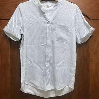 🚚 淺藍色白色細直條短袖反折上衣