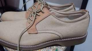 Big shoes-G.H. Bass & Co. (Size 12 Men's) Brown Shoes