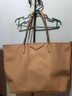 Hush Puppies Tote bag with inside pouch