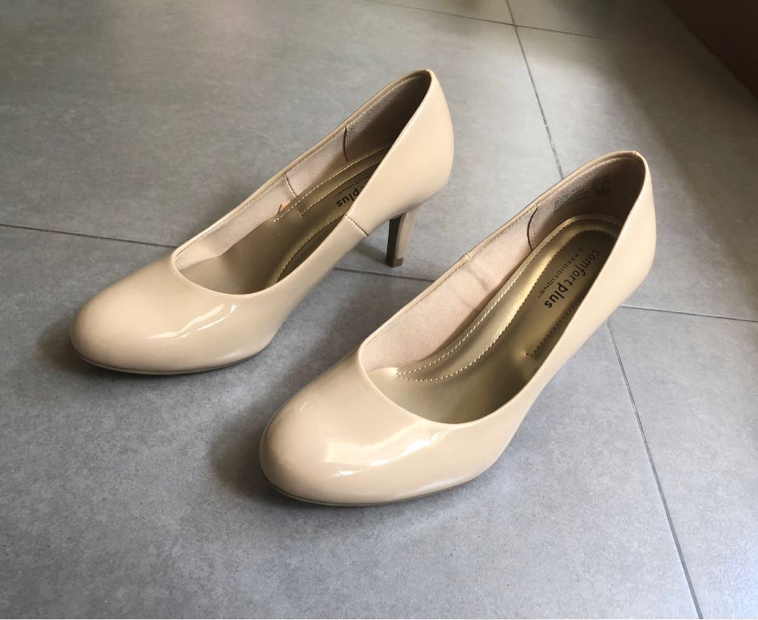 d2f0e53b772 Comfort Plus (Payless) women s nude pumps   shoes w heels 6.5 ...