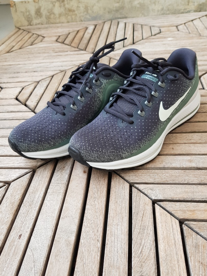 buy online 7704b 6c01e Nike Vomero 13 Men s Running Shoes, Sports, Sports Apparel on Carousell