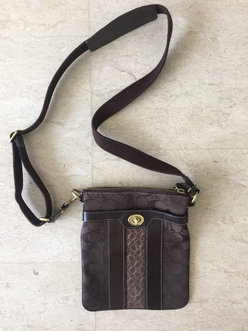 507333e8266f Pre-loved authentic COACH crossbody sling bag