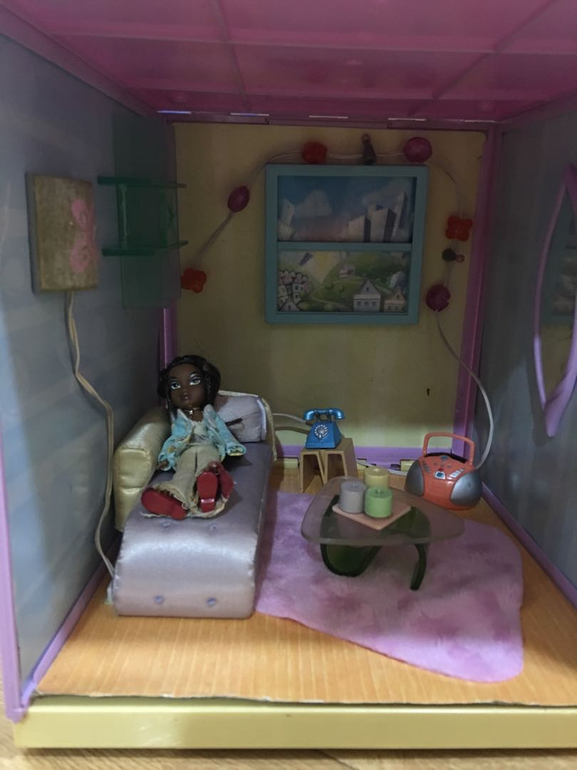 Pre Loved Lil Bratz Bedroom Set Hobbies Toys Toys Games On Carousell