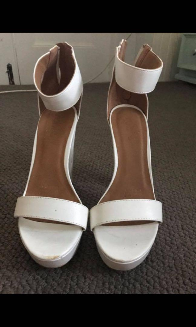 Rubi Shoes 6inch white heels size 9 -10