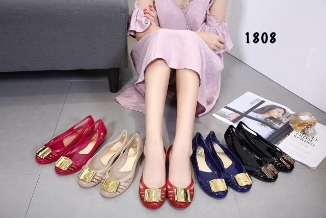 deb3ada9246 Salvatore ferragamo jelly shoes