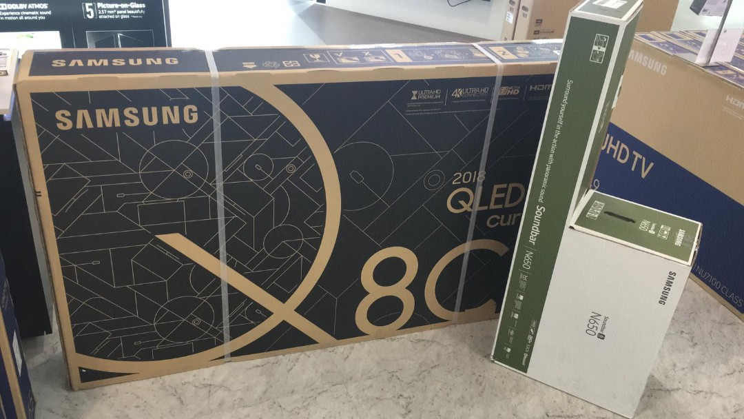Samsung 65Q8 Curve QLED 2018 Model, Home Appliances, TVs