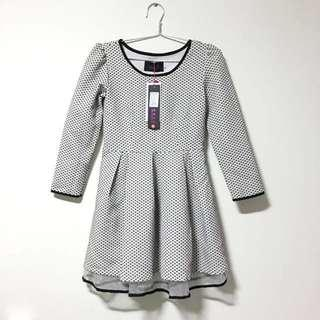 💫BNWT Korean Polka skater dress
