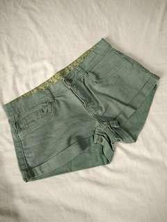 Denim shorts in Army Green