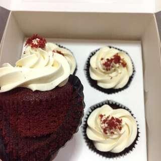 🚚 Red Velvet Cupcakes