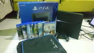 PS4 1TB + 7 Games