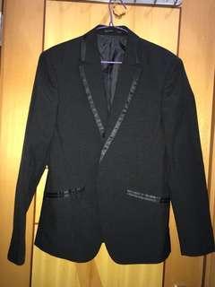 黑色西裝䄛