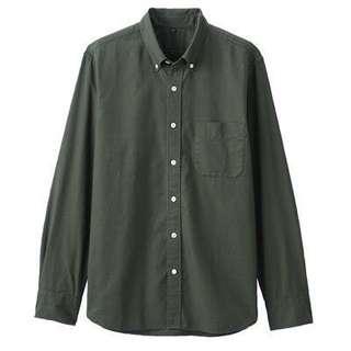 🚚 MUJI無印良品男有機棉胚布染牛津扣領襯衫深綠M號