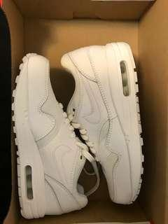 Nike Air Max 1 triple white Sz 6