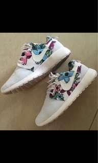 Nike shoes rosch run