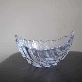"BOWRING Glass Leaf Bowl, 12"", New in Box"
