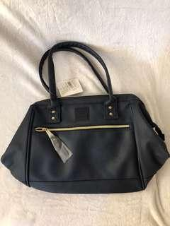 Bnew original Anello Medium Leather Shoulder Bag in Navy Blue
