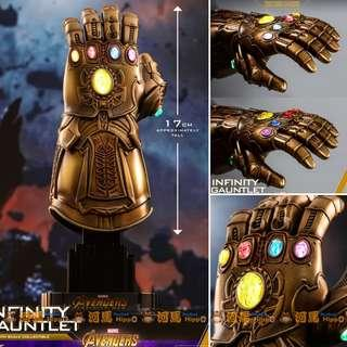 HOTTOYS Avenger Thanos Infinity Gauntlet 1/4 Scale (LED Light)