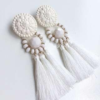 #BUY2GET1FREE White tassel statement earrings aksesoris anting murah hnm h&m