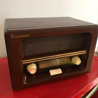 BRAND NEW CD/ MP3 (USB)/ ANALOG STEREO FM Wood Audio Player ( Vintage 50s look)- 1 year technical warranty