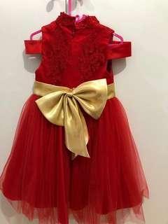Gaun anak perempuan
