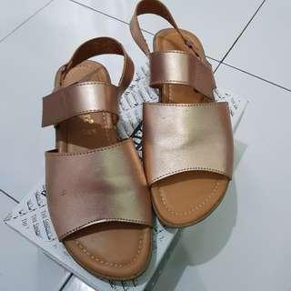 The Sandals sepatu sandal