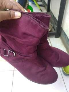 Boots lower last side
