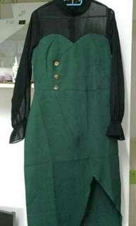 Green dress with sleeve