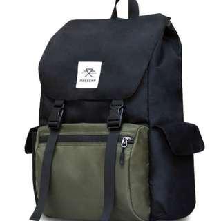 Boulder black/green backpack || Waterproof || Laptop bag || Popular || Stylish || Easy access || For students || For travelers || Highly recommended || Vintage bag || Unique design