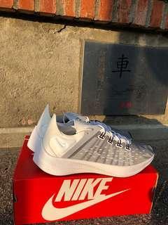Nike未來科技感跑酷鞋👟全新,搭上透明潮流不是adidas