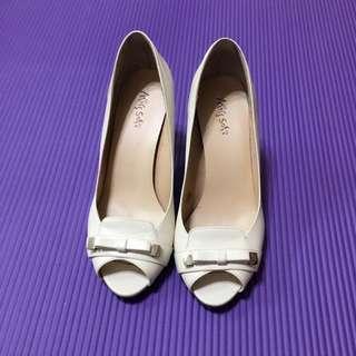🚚 Miss Sofi 魚口低跟鞋