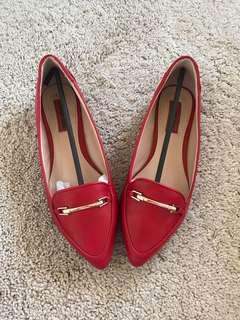 London Rebel Red pointed toe flat