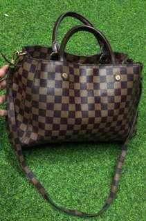 Lv damier sling/carry