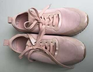 FREE ONG Pull & Bear Shoes Pastel