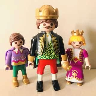 Playmobil King and his children