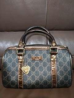 🚚 Gucci小波士頓包 九成新 包包狀況非常新 已經降價了不議價了喔