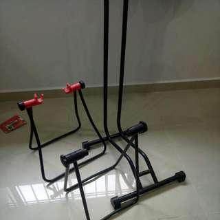 A Pair Of A Stand + L Stand All For $15 / $5 Each/ Red Colour Sold
