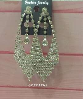 Anting Persegi Diamond