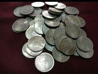 Koin 50 rupiah nikel.