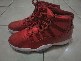 Sepatu Basket Air Jordan 11 Win like 96 red