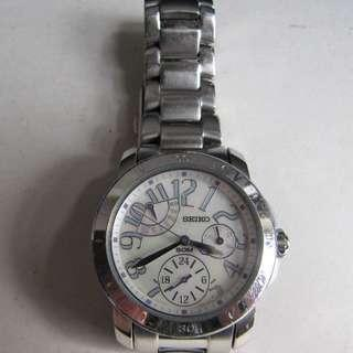 -勿壓價、NO BARGAIN-SEIKO CERTERIA LADIES QUARTZ 5Y67-0AJ0。SAPPHIRE CRYSTAL GLASS、STAINLESS STEEL CASE AND BAND