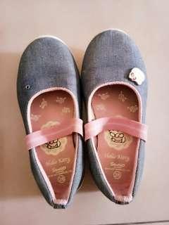 Sepatu anak cewek 2th