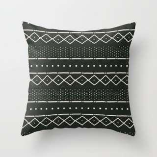 🚚 Mudcloth in Bone Throw Pillow Cushion Cover