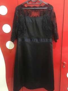 Dress hitam lace